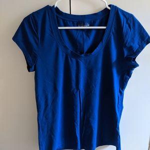 Kenneth cole tee shirt